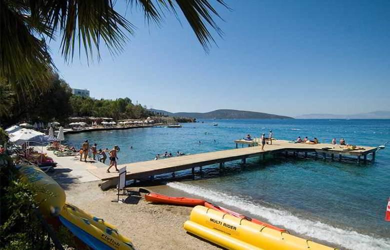Vera Miramar Resort - Beach - 19