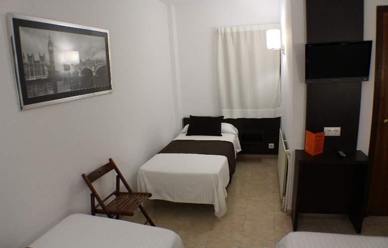 Marfany - Room - 13