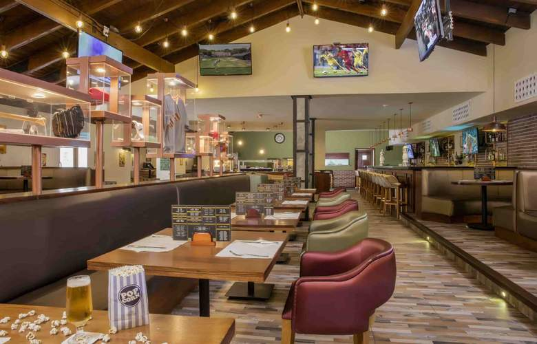 Grand Palladium Punta Cana Resort & Spa  - Bar - 3