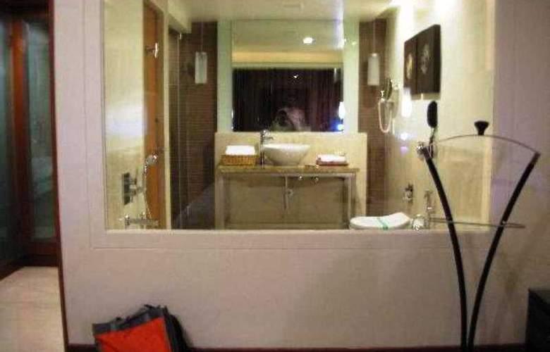 Quality Inn DV Manor - Room - 3