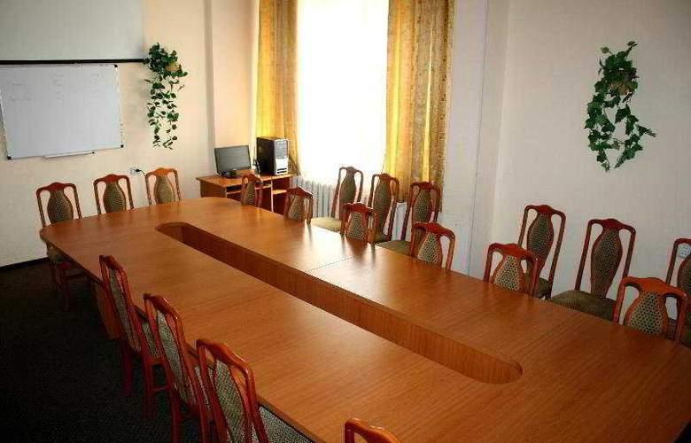 Druzhba - Conference - 7