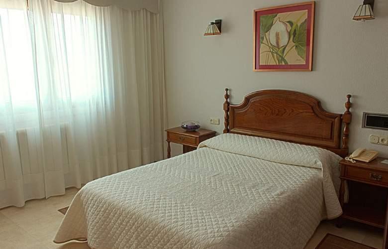 Serantes - Room - 2