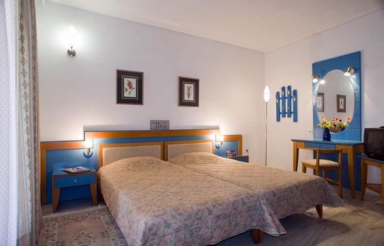 Ilianthos Village Suites - Room - 4