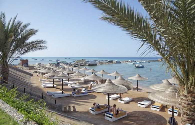 The Three Corners Royal Star Beach Resort - Beach - 33