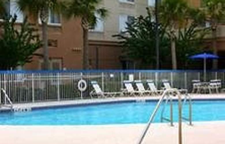 Fairfield Inn and Suites Orlando at Seaworld - Pool - 6