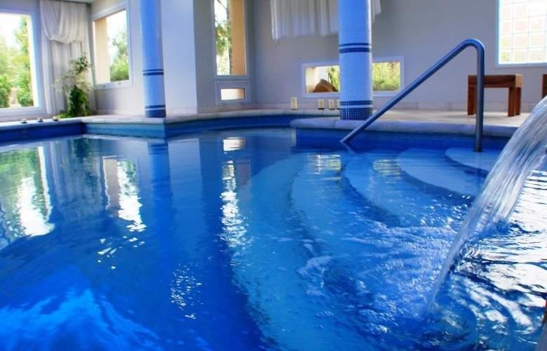 San Isidro Spa & Resort - Pool - 2