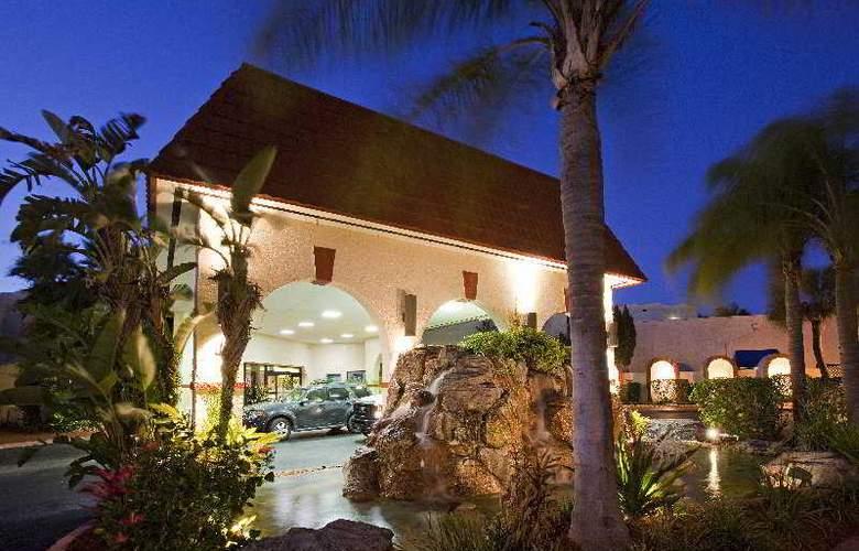 Maingate Lakeside Resort (Best Western Lakeside) - Hotel - 2