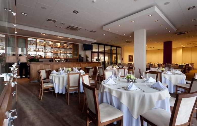 Swing - Restaurant - 13