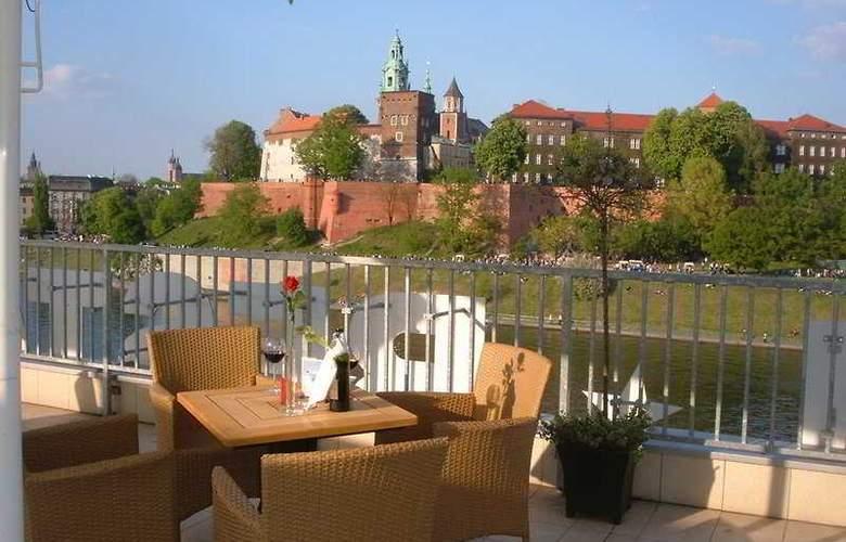 Poleski - Terrace - 1