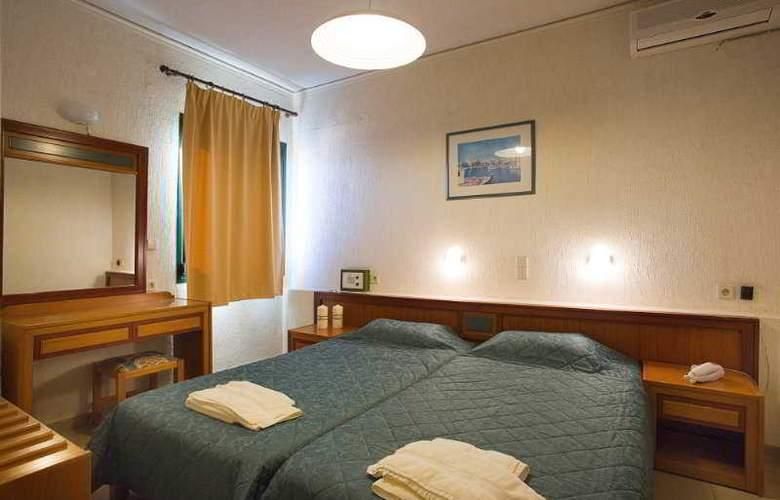 Rainbow Apartments - Room - 9