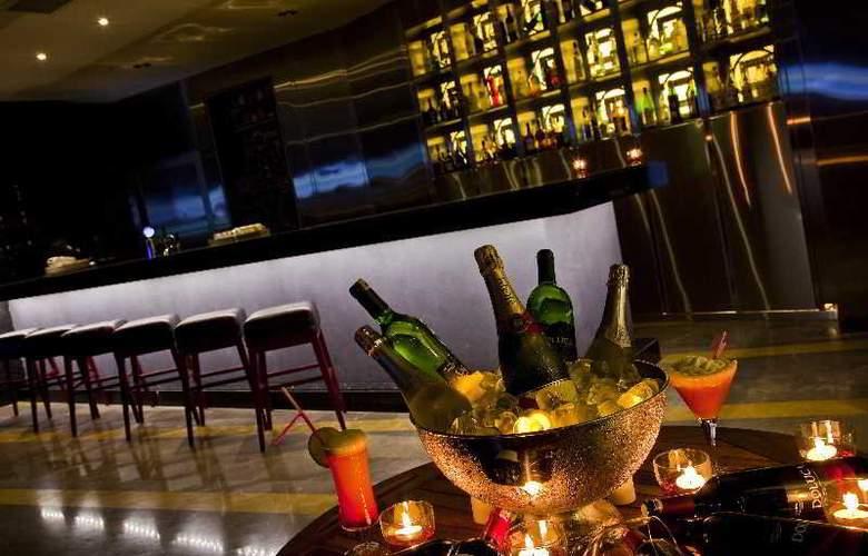 Green Park Hotel Pendik & Convention Centre - Bar - 12