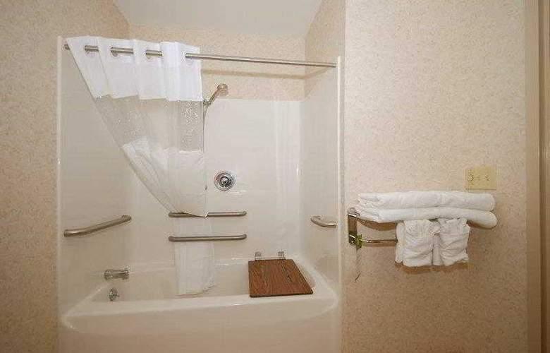 Berkshire Hills Inn & Suites - Hotel - 3