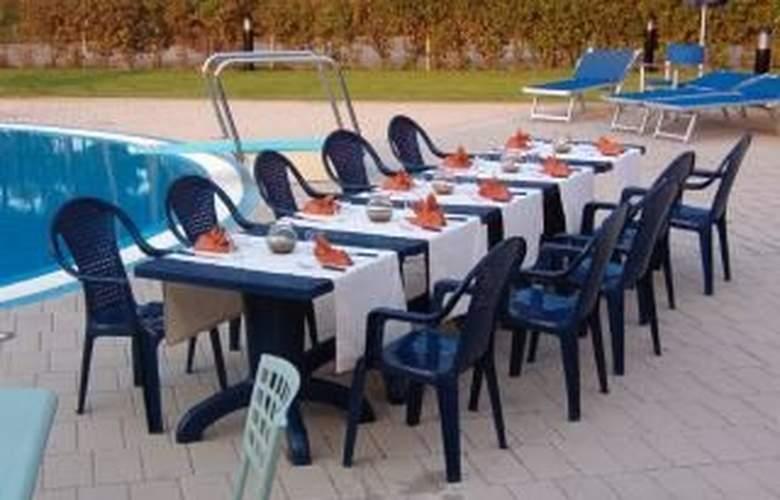 Mercure Tirrenia Green Park - Restaurant - 4