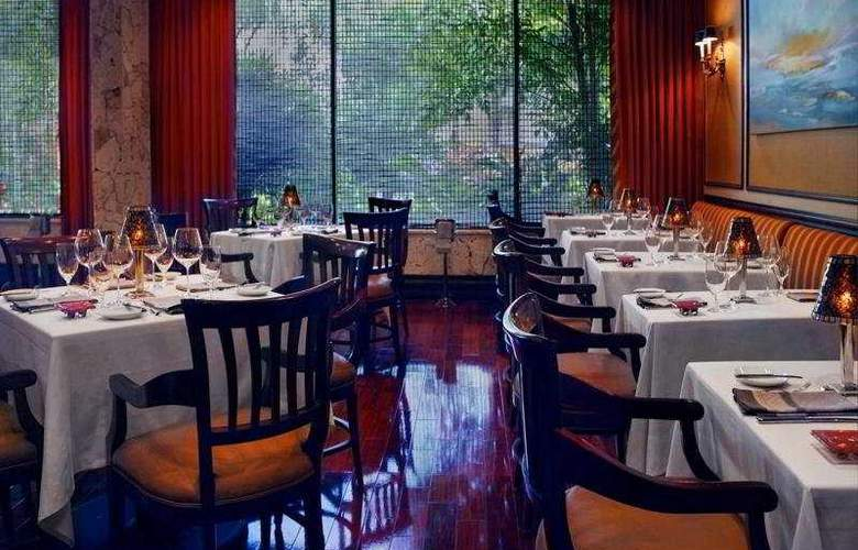 Hyatt Regency Bonaventure Conference Center & Spa - Restaurant - 6