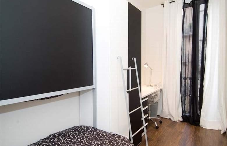 Aspasios Urquinaona Design - Room - 2