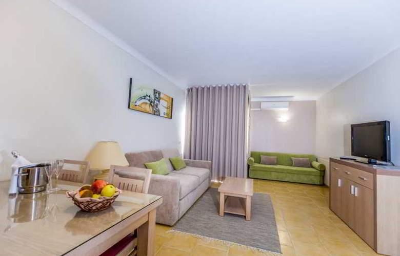 Santa Eulália Hotel Apartamento & Spa - Room - 6