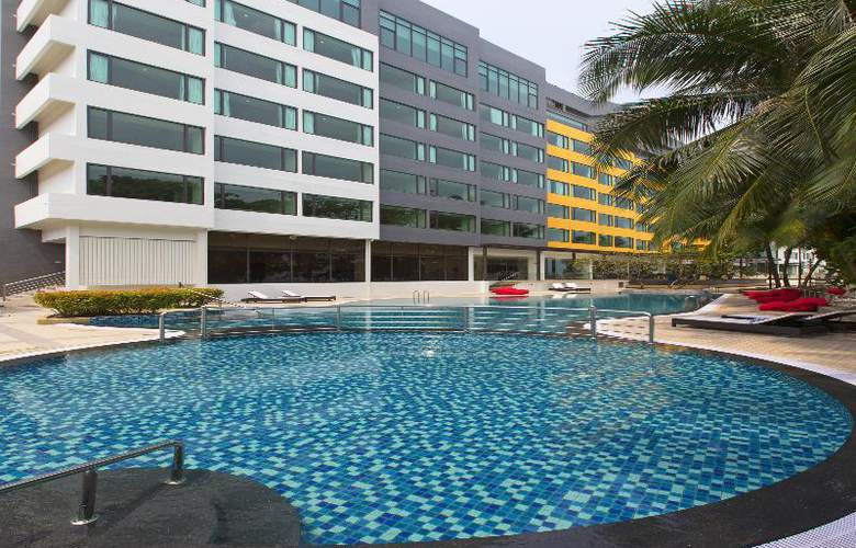 Four Points by Sheraton Penang - Pool - 3