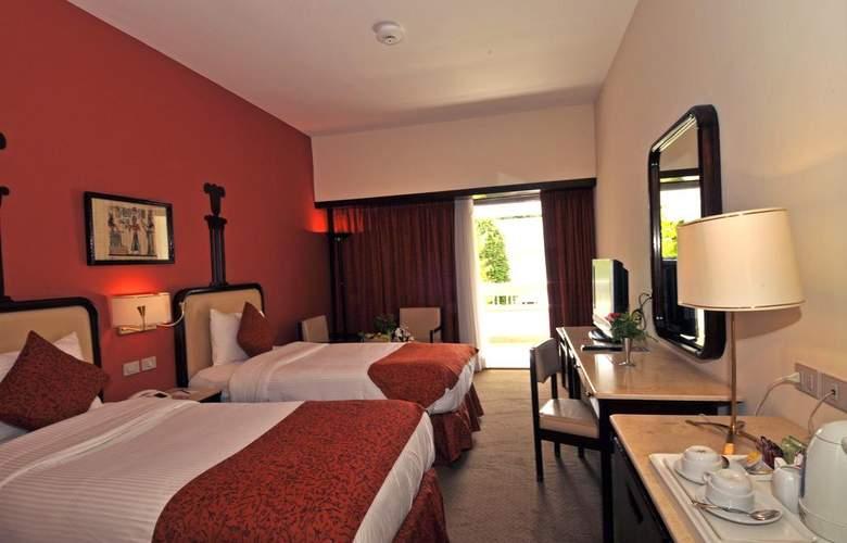 El Luxor - Room - 11