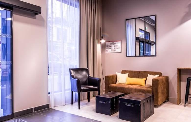 Best Western Plus Suitcase Paris La Defense - Hotel - 2