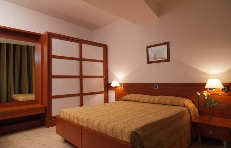 Mirabeau Park - Room - 4