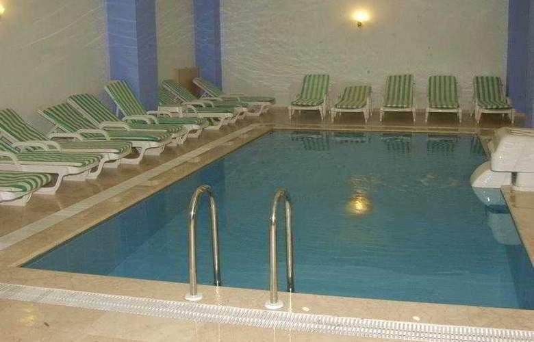 Hera Park Hotel - Pool - 5