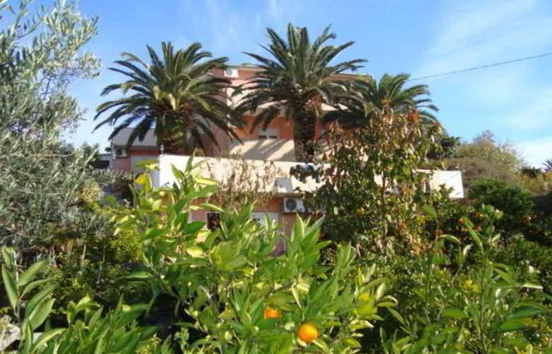 Villa Luketa - Hotel - 11