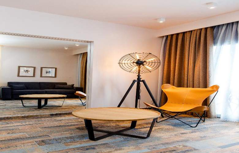 Golden Star Hotel - Room - 16