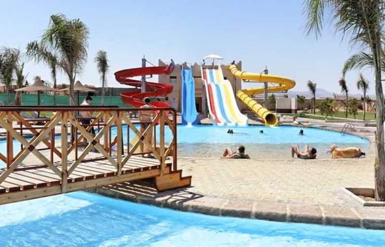 Three Corners Sea Beach Resort - Pool - 19