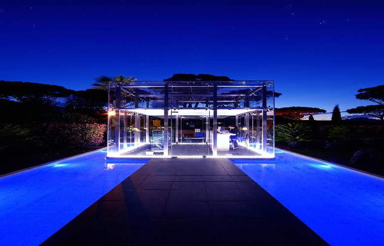 Kube St-Tropez - Pool - 11