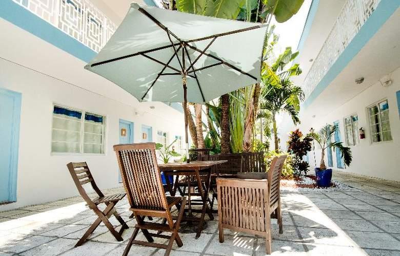 Aqua Hotel - Terrace - 15