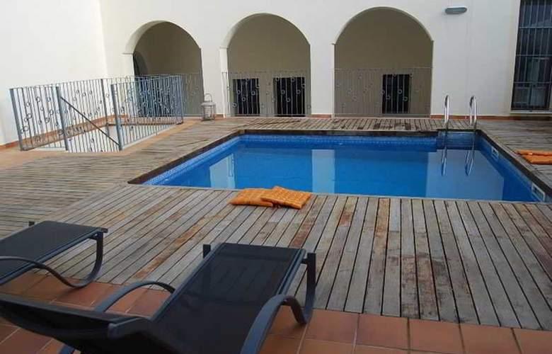 AT Palacio de Luja - Pool - 3