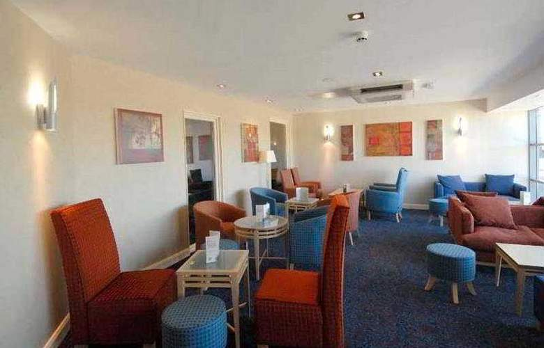 Aston Hotel Darlington - Bar - 3
