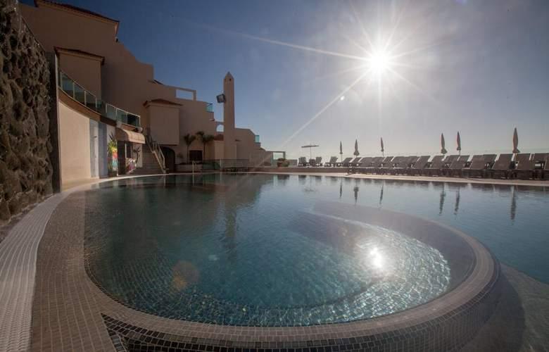 Royal Sun Resort - Pool - 3