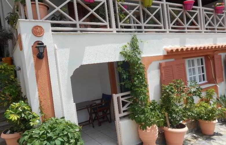 Galazios Kolpos Pension - Hotel - 14