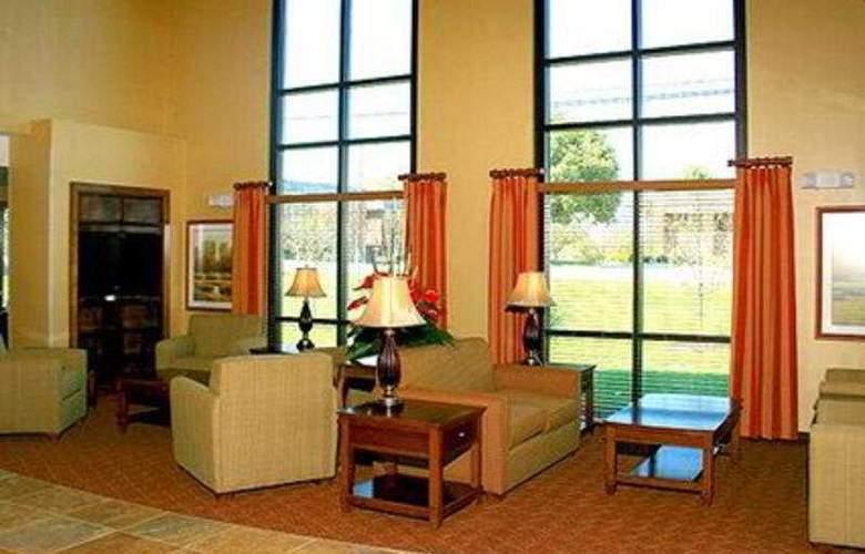 Comfort Suites Lincoln - General - 2