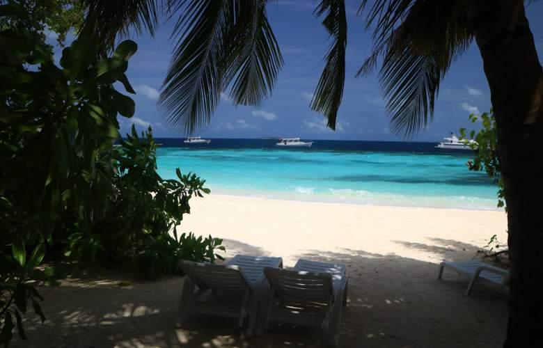 Eriyadu Island Resort - Beach - 30