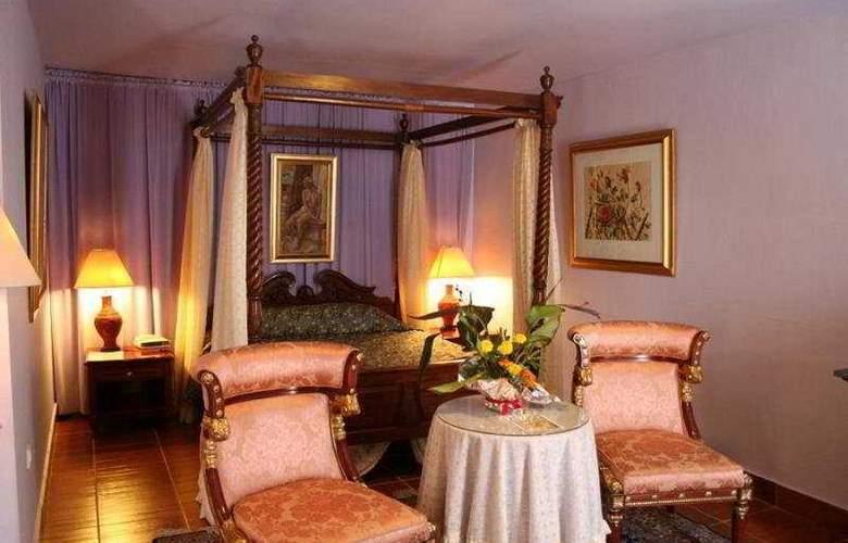 Palace Mon Repos - Room - 3
