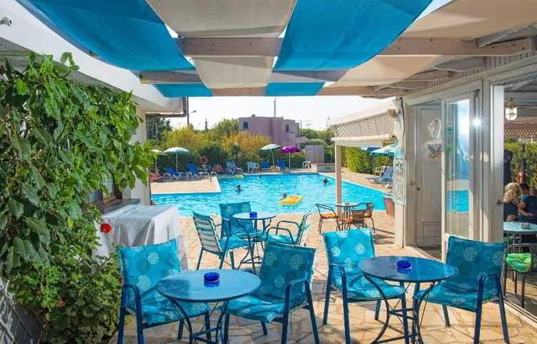 Oasis Hotel - Pool - 15