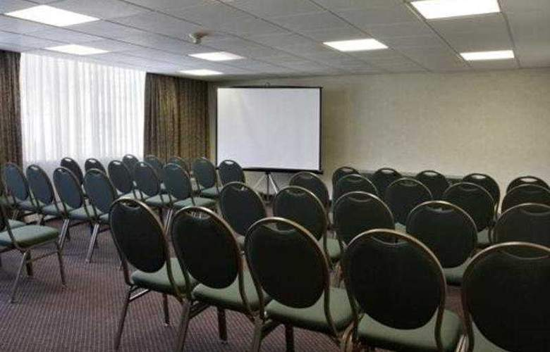 Wyndham Garden Hotel Philadelphia Airport - Conference - 8