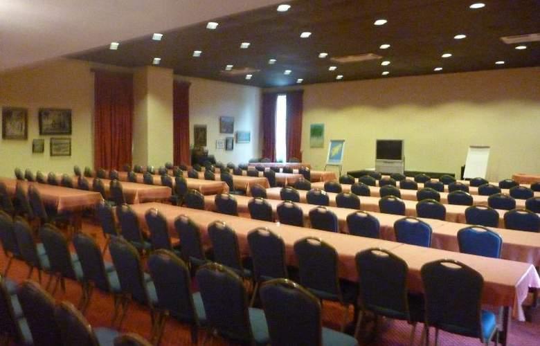 Dionysos - Conference - 7