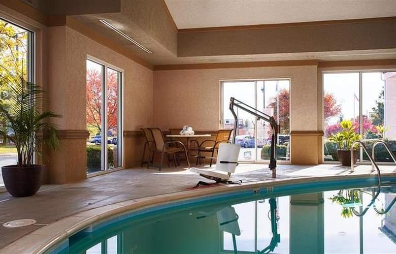 Best Western Inn at Valley View - Pool - 37