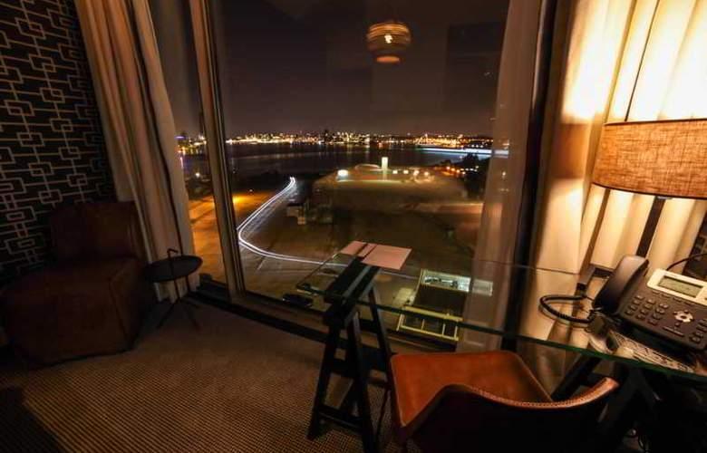 DoubleTree by Hilton Amsterdam - NDSM Wharf - Room - 17