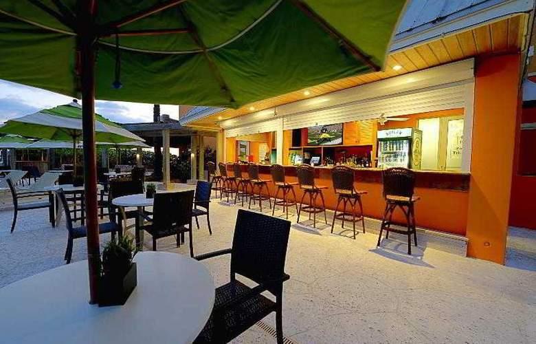 Courtyard by Marriott Hutchinson Island - Bar - 9