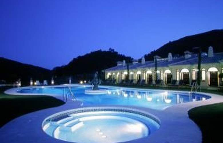 Gran Hotel Benahavis - Pool - 9