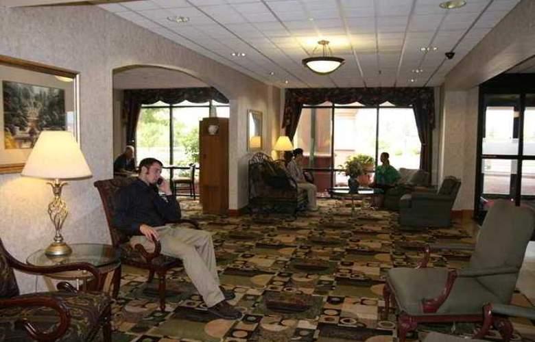 Hampton Inn Cleveland Airport-Tiedeman Rd - Hotel - 0