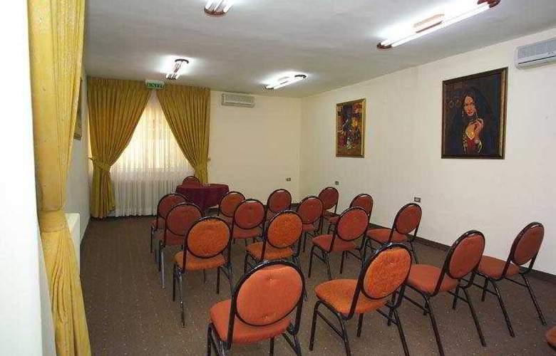 Al Manar - Conference - 5