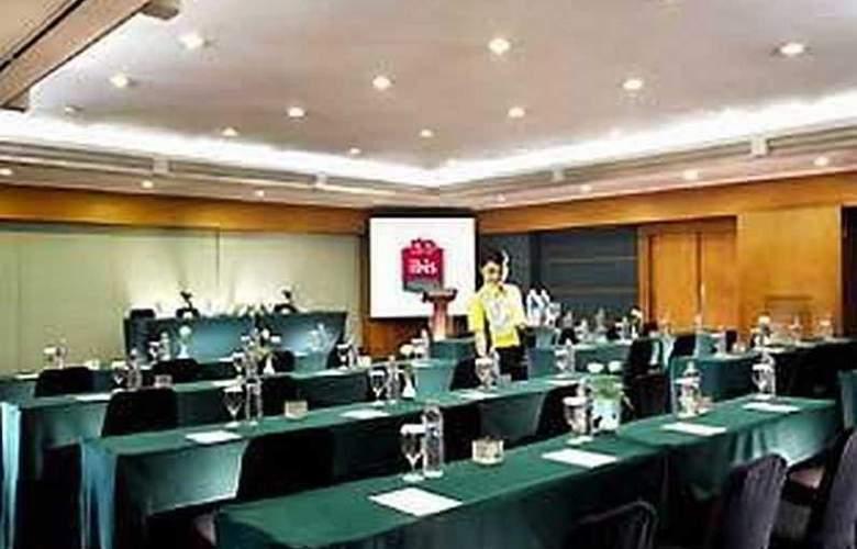 Ibis Tamarin - Conference - 12
