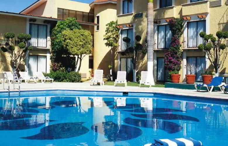 Fiesta Inn Oaxaca - Pool - 13