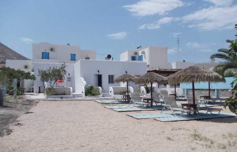Black Sand Hotel - Hotel - 7
