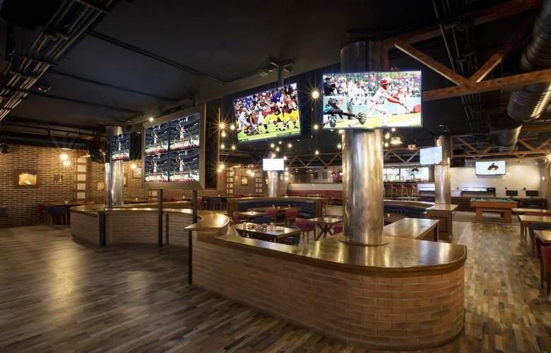 Grand Palladium Kantenah Resort & Spa - Bar - 3